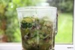 В блендере измельчаем овощи до состояния пюре