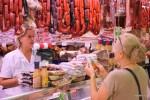 Чорисо на рынке Эль Фонтан готовят на ваших глазах. Овьедо, Астурия