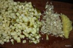 Имбирь, чеснок , груши - составляющие для чатни