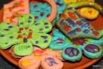 Внуки сделали разноцветные печенья к празднику