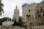 Папский дворец в Авиньоне дал название самому знаменитому вину Прованса