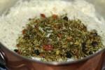Добавляем смесь к рису