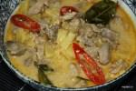 Ананасно-кокосовое карри со свининой
