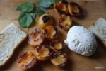 Обжаренные абрикосы, домашняя рикотта  и мята
