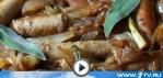 Перевернутый пирог с колбасками и карамелизированным луком (видео-рецепт)