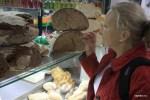 Домашний хлеб на рынке Болья в Порту