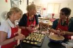 Под руководством Хайронисы осваиваем с Леной приготовление детских печений