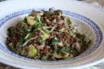 Теплый салат из чечевицы с картофелем с горчичной заправкой