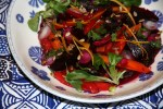 Салат из свеклы с морковью и жареными семечками