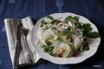 Зимний салат из фенхеля с рукколой, яблоком и миндалем