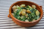 Тушеный молодой картофель с салатным листом