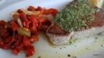 Бифштекс из свежего тунца. Ресторан Исла, Ислантилья