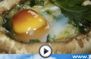 Шампиньоны, фаршированные перепелиными яйцами (видео-рецепт)