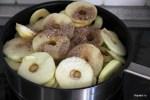Яблоки отвариваем до полуготовности