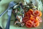 Свиные отбивные с зеленым луком и салатным листом