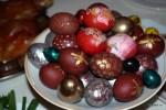 Пасхальные яйца хозяйка Сахли раскрашивает вручную