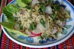 Салат из киноа с весенним редисом