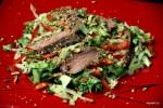 Тайский салат с жареным мясом
