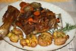 Жареная баранья лопатка с запеченным мятым картофелем