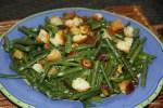 Салат из зеленой фасоли с розмарином и чесноком