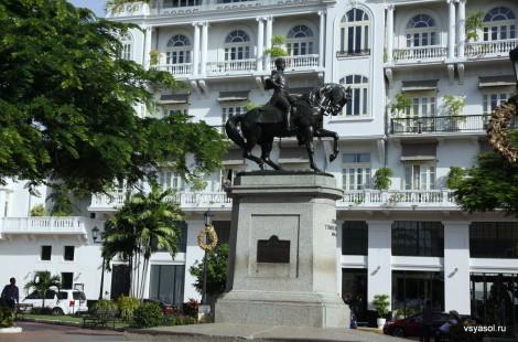 Памятник генералу Эррере в Старой Панаме