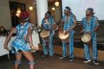 Кенийские танцы на открытии фестиваля в московском ресторане The Сад
