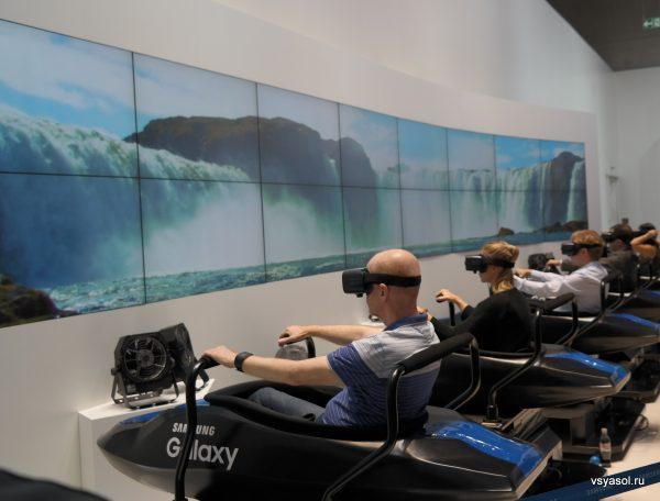 Виртуальная реальность помогает спуститься с водопада на рафте