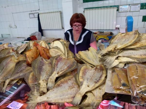 Рыбные богатства Заполярья на рынке в Мурманске