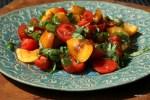Салат из помидоров с абрикосами
