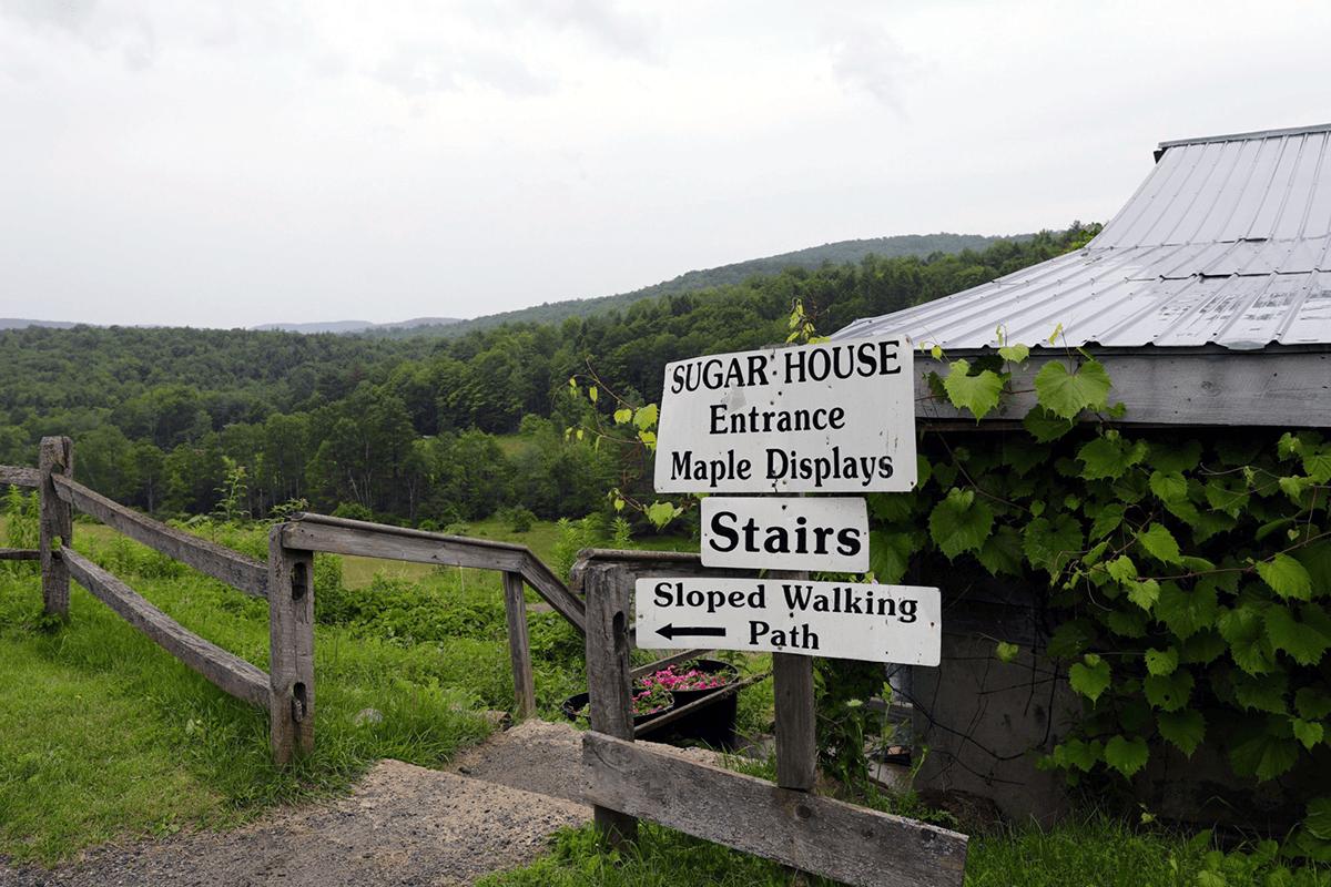Image of signs at Sugarbush Farm