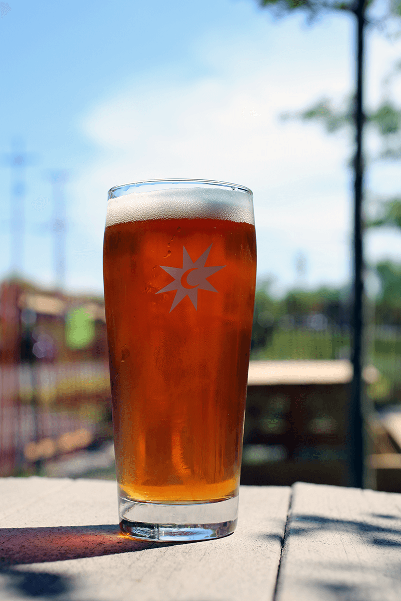 Image of a pint of Magic Hat