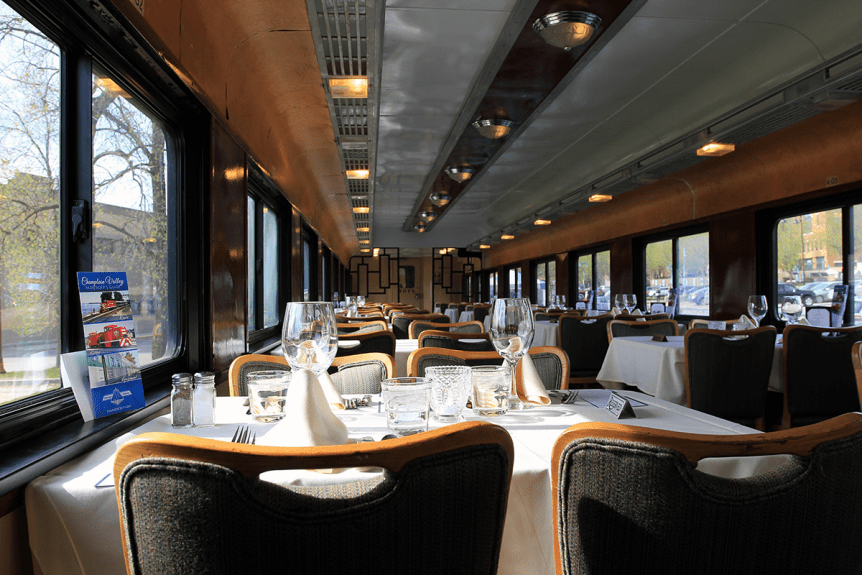 Image of the interior of the dining car aboard the Green Mountain Railroad