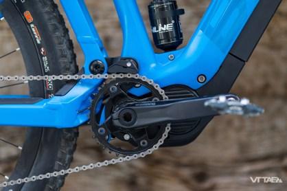 L'anti-squat ensuite, qui passe de 80 à 100%, lui aussi sous l'effet d'un différence entre VTT traditionnel et à assistance : la plus grande puissance de pédalage développée, qui pourrait sinon trop parasiter le fonctionnement du vélo.