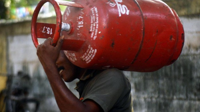 LPG Gas Cylinder price in may 2021 46 rs now non subsidized gas check latest price