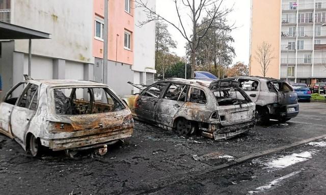 voitures brûlées à la saint-sylvestre ? quand castaner devient muet