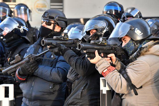 Régis de Castelnau:  VIOLENCE DE LA RÉPRESSION CONTRE LE MOUVEMENT SOCIAL: LA JUSTICE PREMIÈRE RESPONSABLE.