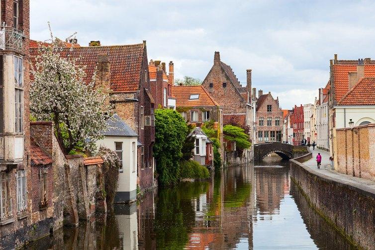 Canal de Brujas en primavera. Foto: © Depositphotos/Dhamalov