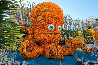 Exposición temática submarina en los jardines bioves de Mentón durante la fiesta del limón. Imagen: ©depositphotos.com/faabi