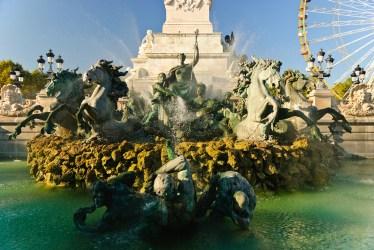 Plaza de Quinconces en Burdeos. Fotografía detalle de una de sus fuentes ©depositphotos.com/mbonaparte
