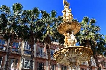 Fuente en Plaza de la Constitución, Málaga. Imagen: ©depositphotos.com/Giovanni_Cancemi