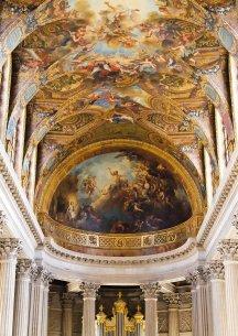 Interior de la iglesia de Versailles