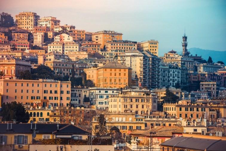 Perfil urbano de la ciudad de Génova. Imagen: ©depositphotos.com/gregorylee