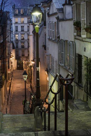 Montmartre de noche, París