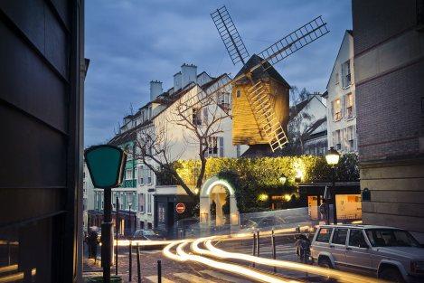 El Moulin de la Galette en Montmartre, París.