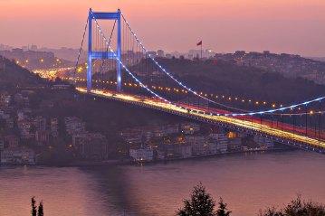 Puente de Bósforo. Estambul, Turquía.