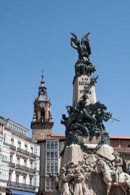 Plaza Vitoria Virgen Blanca