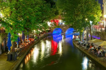 El Canal Oudegracht en Utrecht, Holanda