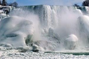 Las cataratas del Niágara en invierno.