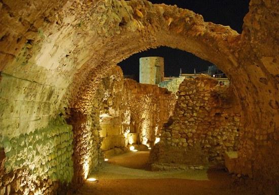 Bóveda del circo romano, siglo I dC, Tarragona - Foto: Tomàs Badia Navarro , CC BY SA 2.0