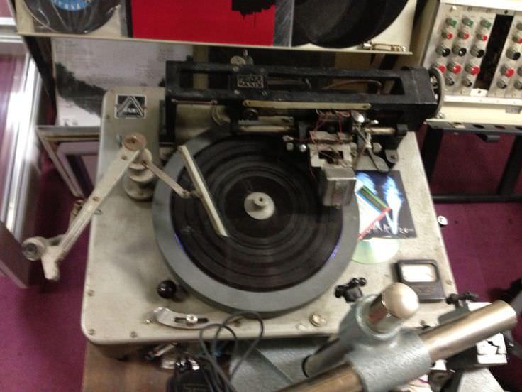 my first LP - a signal -6